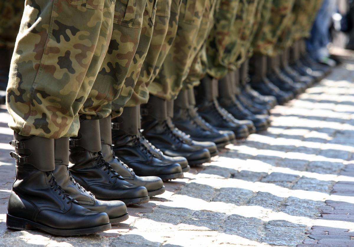 Militari piedi