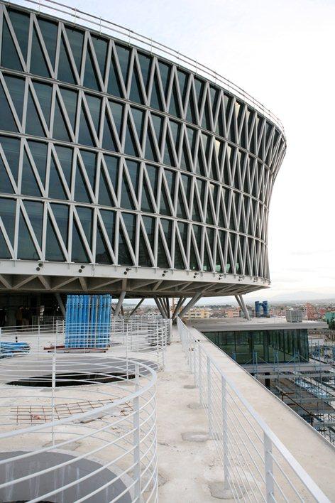 Pescara, centro direzionale Fater (De Cecco Spa) - di Massimiliano e Doriana Fuksas - 2008- Fonte: web)