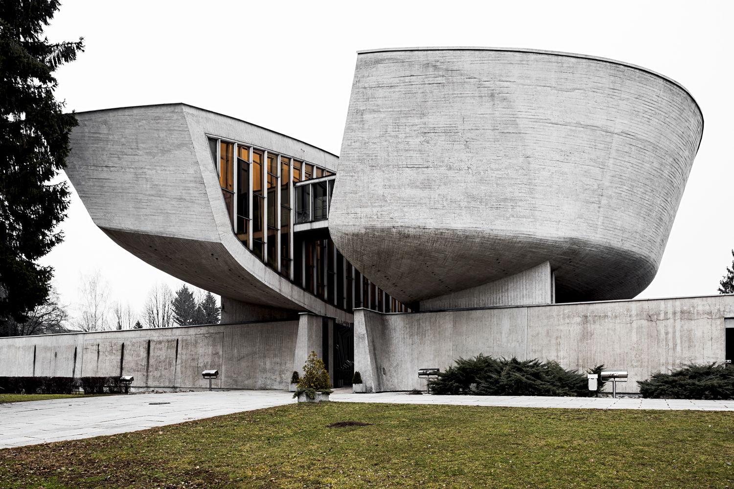 Memorial and Museum of the Slovak National Uprising, by architect Dušan Kuzma, 1963-1970. Banská Bystrica, Slovakia. Photo: Stefano Perego.